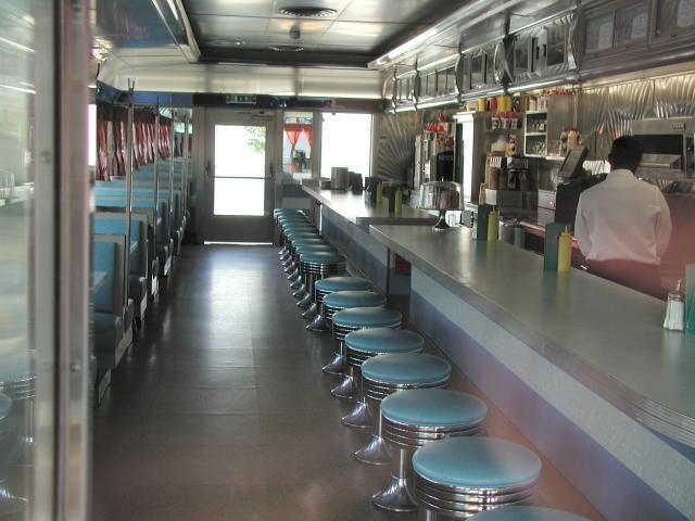 [Service à table] Café des cascadeurs Cascadeurs3bg